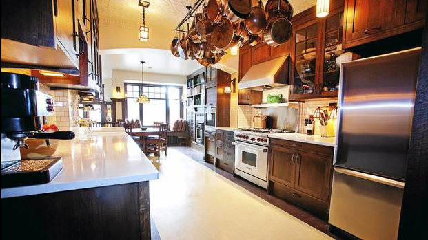 Made to order: A kitchen and an Arts and Craft cocoon